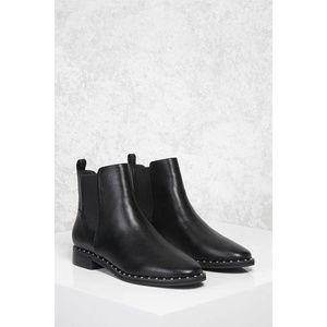 New Forever 21 Studded Chelsea Boots 5.5/6
